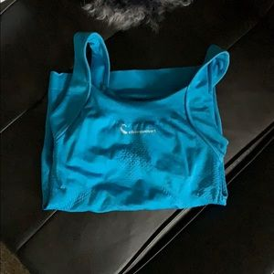 Athletic Top with layer bra S